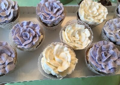 Cupcakes-(Rose-Buttercream)