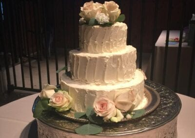 Wedding-Cake-Dairy-Barn