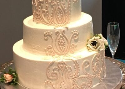 Wedding-Cake-with-piping